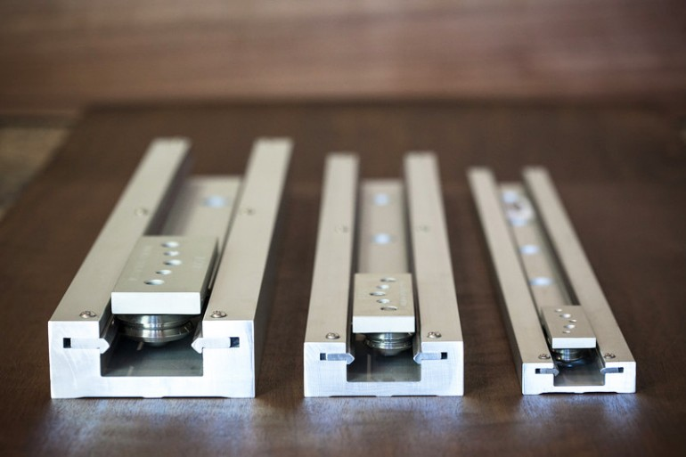 linear guide carriage and rail