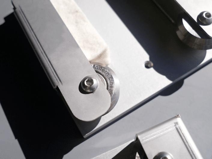 linear guide lubricator